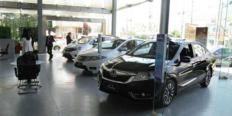 Trio Mobil Jepang Panen Di China