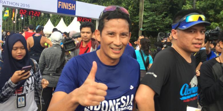 Sambil Terengah-engah, Sandiaga Ceritakan Pengalaman Lari di Jakarta Marathon