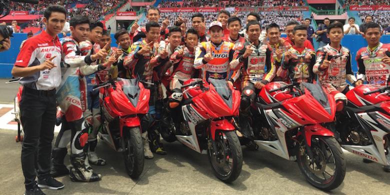 Marc Marquez Ajak Murid Honda Racing School Pacu Honda CBR125R Di Sirkuit Sentul