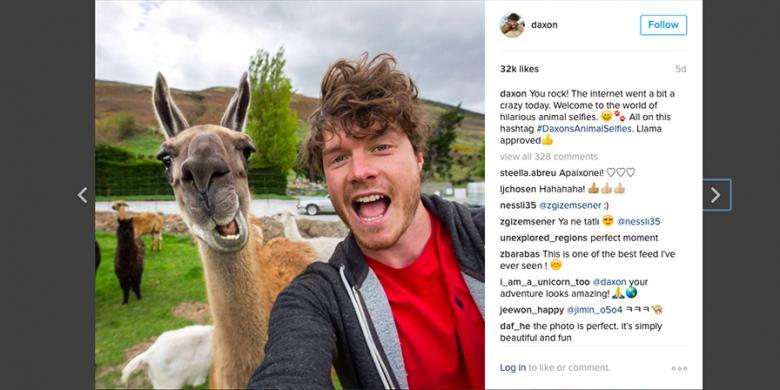 """Pria Ini Dibayar Untuk """"Selfie"""" Bareng Hewan"""