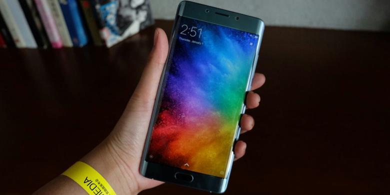 Melihat Dari Dekat Xiaomi Mi Note 2