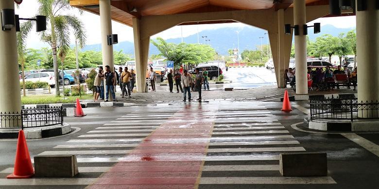 """Mau Naik Mobil """"Travel"""" Dari Bandara Minangkabau? Ini Kisaran Harganya…"""