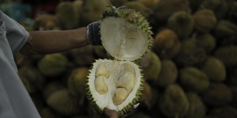 Mana Yang Benar, Harga Durian Dihitung Per Butir Atau Kilogram?
