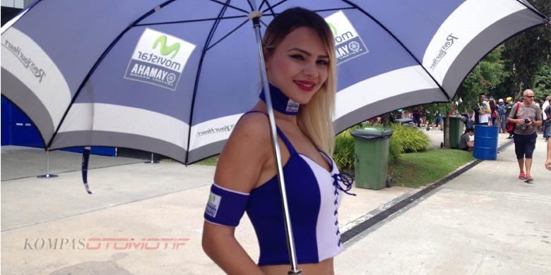 Senyum Manis Gadis Payung MotoGP Sepang (Video)