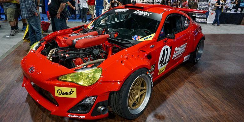 "Toyota 86 Cangkok ""Jantung"" Ferrari V8"