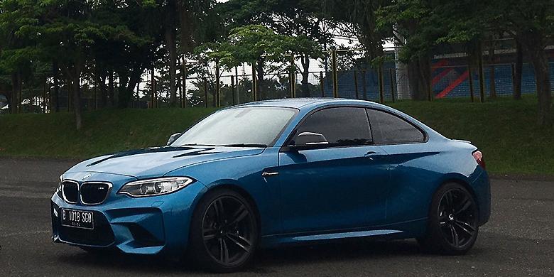 Lebih Intim Dengan Mobil Sport Rp 1,35 Miliar