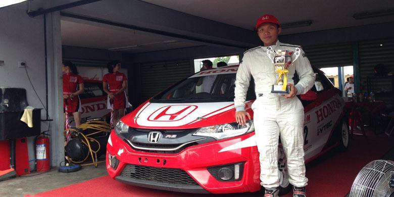 """Rio SB Raih Juara Umum """"Honda Jazz Speed Challenge 2016"""""""