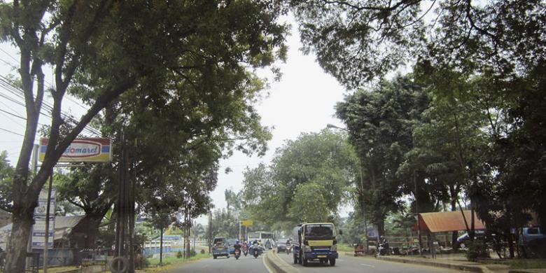Jalan Raya Bogor, Dari Pangkalan Kuda Hingga Laksa Lezat