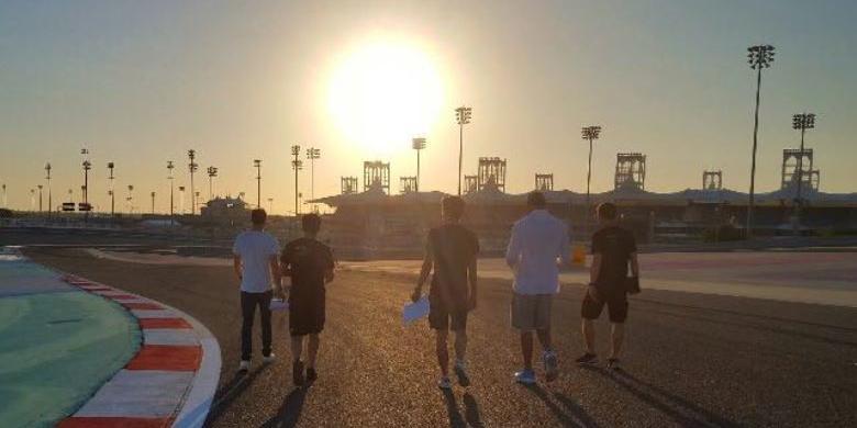 Sean Gelael Dan Tantangan Balapan Malam Hari Di Bahrain