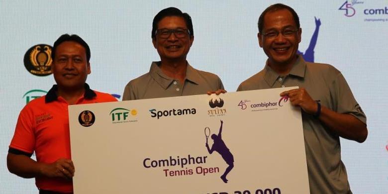 """Petenis Nasional Dan Juara PON Bertemu Di """"Combiphar Tennis Open"""""""