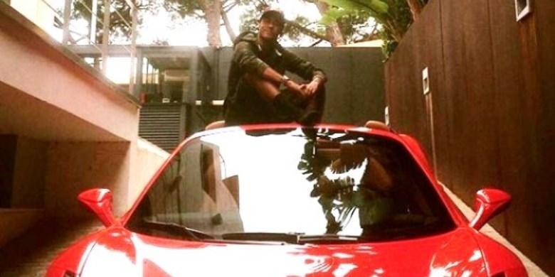 Hasil gambar untuk neymar mobil kecelakaan