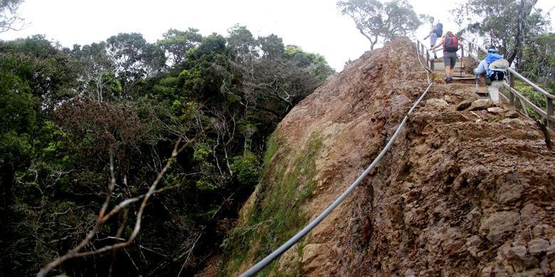 Mengintip Cara Malaysia Mengelola Gunung Kinabalu