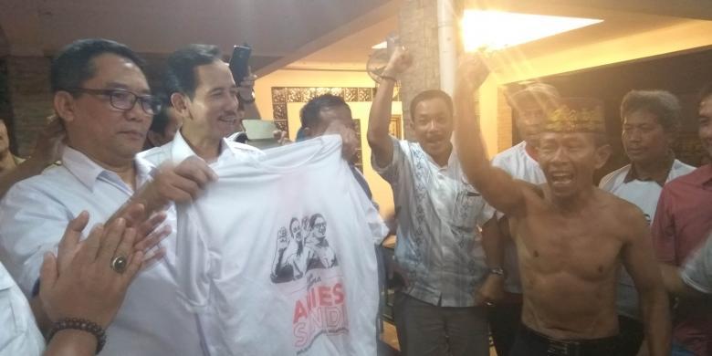 Deklarasikan Dukungan untuk Anies-Sandi, Pengurus PDI-P Lepas Seragam