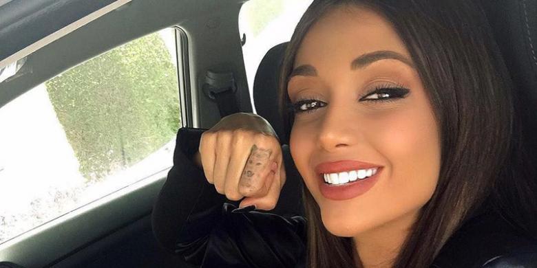 """Model Iran Ditangkap Gara-gara """"Selfie"""" Di Instagram"""