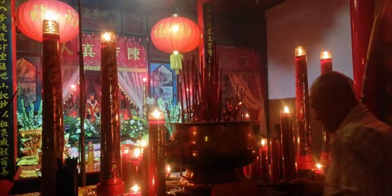 Ultah Kelenteng, Umat Konghucu Di Banyuwangi Berdoa Untuk Indonesia