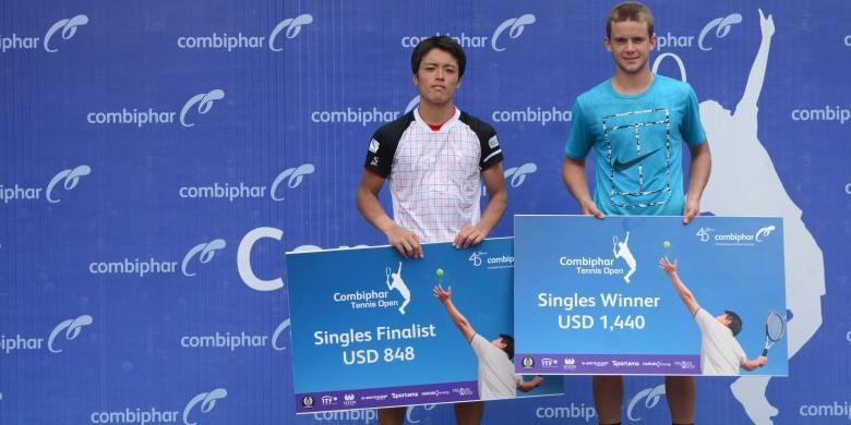 Petenis Perancis Juara Combiphar Open