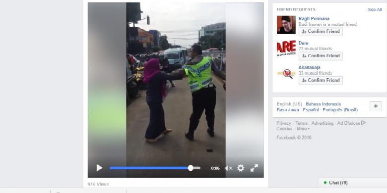 Viral, Video Ibu-ibu Lawan Polisi
