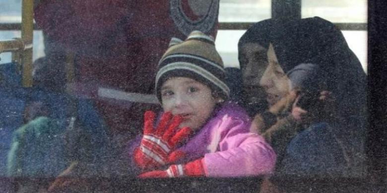 http://assets.kompas.com/data/photo/2016/12/18/1559102Pengungsi-anak-anak-Aleppo780x390.jpg
