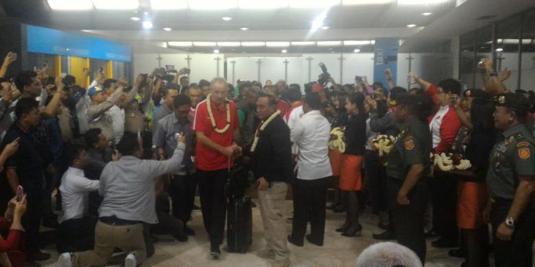 (PIC:Tiba di Indonesia, Skuad Garuda Disambut Antusias)