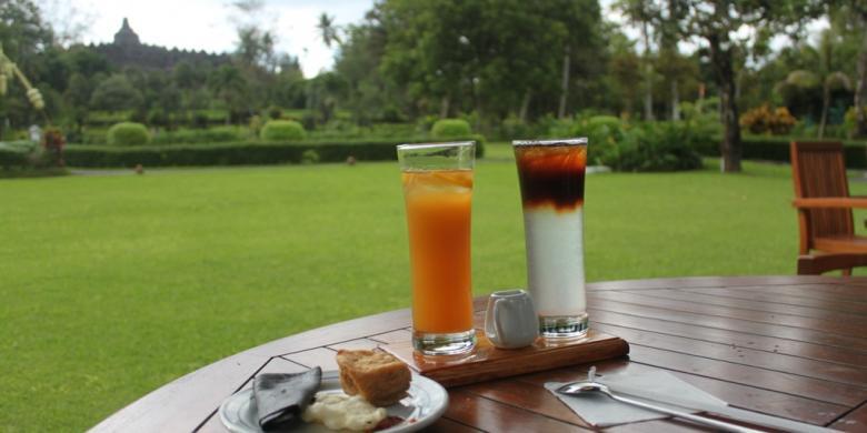 Ngopi Sambil Memandang Eksotisnya Candi Borobudur, Ini Tempatnya….