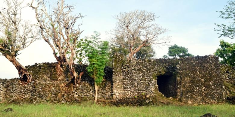 Benteng Sorawolio Yang Eksotis Dan Penuh Misteri