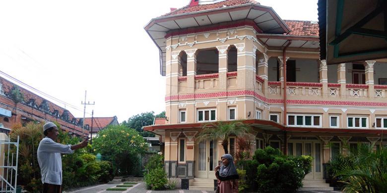 Rumah Gajah Mungkur Jadi Ikon Kampung Kemasan Di Gresik