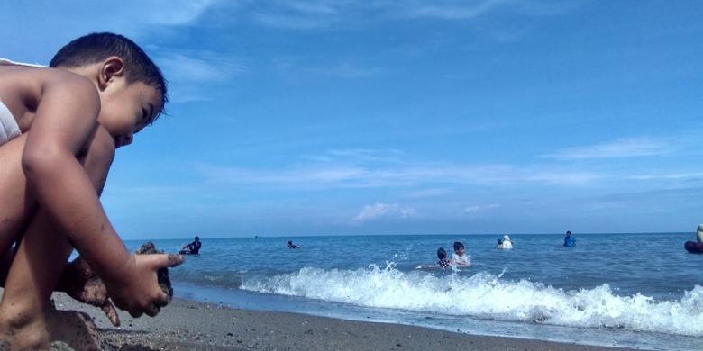 Libur Panjang, Pantai Di Lhokseumawe Dipadati Wisatawan