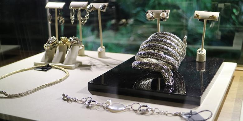 Perhiasan Karya Para Seniman Bali Di Butik-butik Mewah Dunia