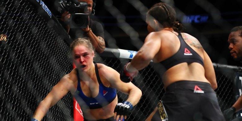 "Justin Bieber ""Bully"" Kekalahan Ronda Rousey"