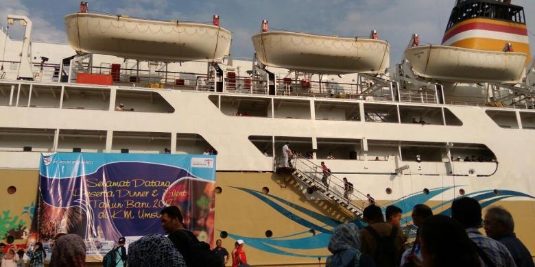 Perdana, Pelni Gelar Perayaan Tahun Baru Di Atas Kapal