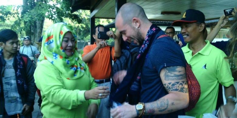 Kejutan! Pengunjung Pertama Candi Borobudur 2017 Dapat Hadiah