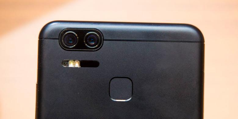 Melihat Asus Zenfone AR Dan Zenfone 3 Zoom Dari Berbagai Sudut