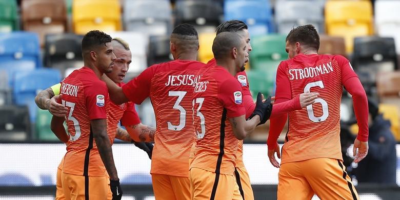 Menang, AS Roma dan Napoli Pangkas Jarak dengan Juventus