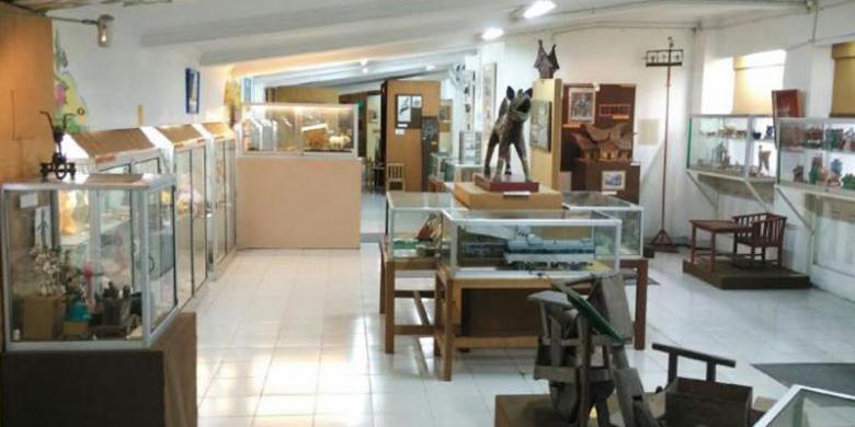Pernah Dengar Museum Mainan Kolong Tangga? Ini Tempatnya…