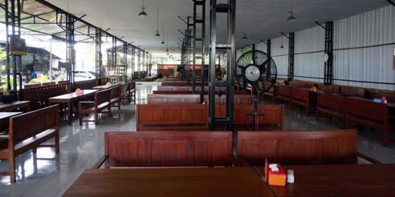 Suasana Ronalee Resto di Bantul, DI Yogyakarta, yang punya dua menu unik yakni bakmi karet dan bakso domba.