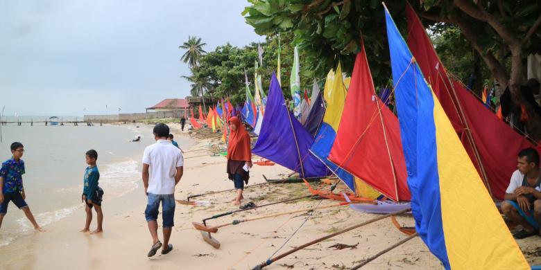 "Perlombaan Tradisional ""Perahu Jong"" Digelar Di Bintan"
