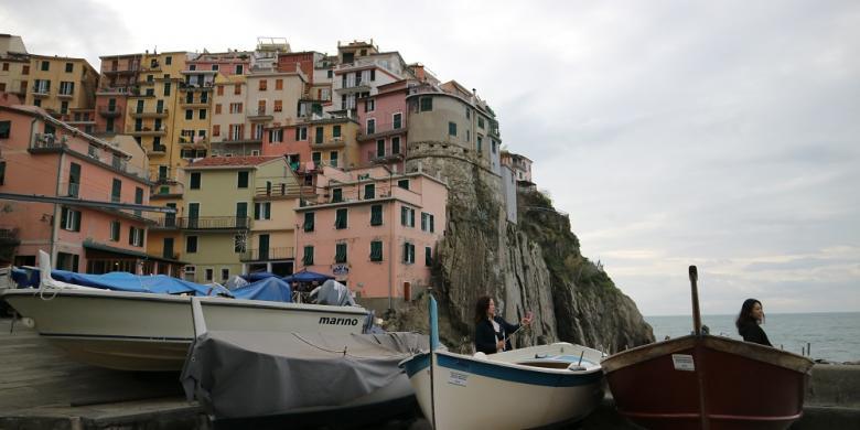 Rumah Warna-warni Di Cinque Terre Menanti Nelayan Kembali