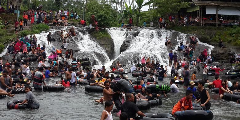 """Menikmati """"River Tubing"""" Murah Meriah Di Sumber Maron Malang"""