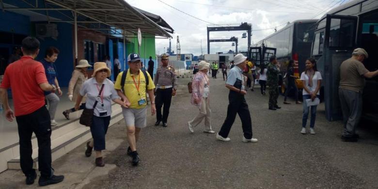 Kapal Pesiar Berbendera Jepang Singgahi Kota Ambon