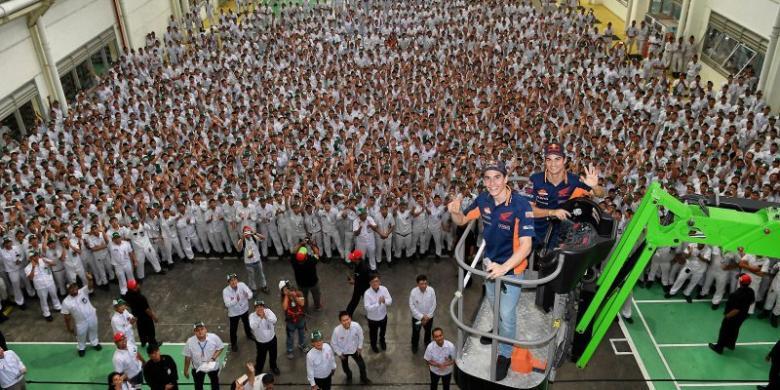 Marquez Dan Pedrosa Kunjungi Pabrik Astra Honda Di Karawang