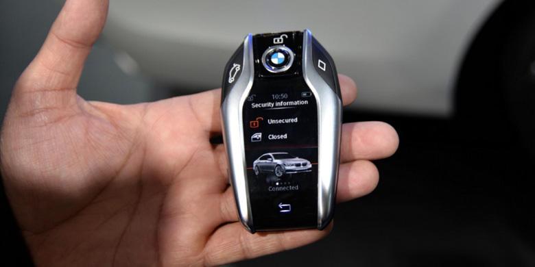 Canggihnya Kunci BMW Seri 7 Terbaru