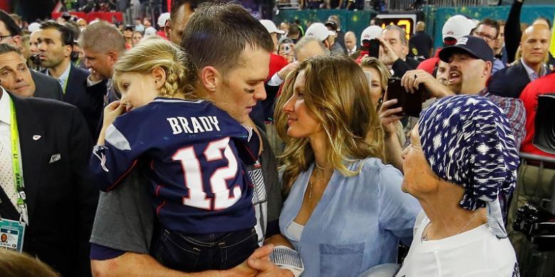 Supermodel Gisele Bundchen Minta Tom Brady Pensiun Dari NFL