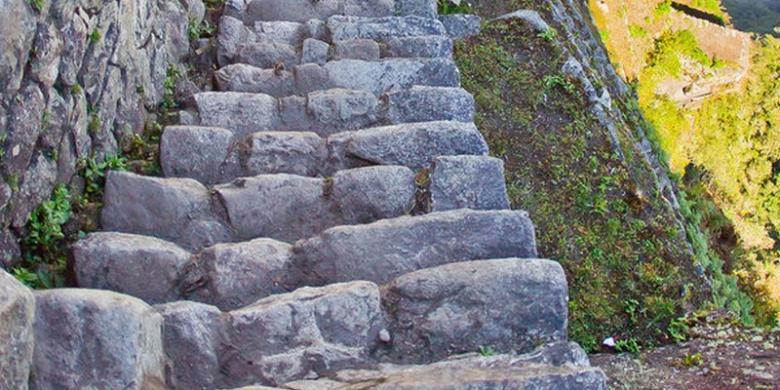 Tangga Machu Picchu buatan Suku Inca 500 tahun lalu.
