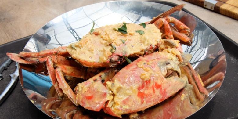 Sensasi Makan Kepiting Dengan Bobot Satu Kilogram