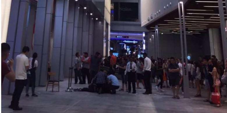 Remaja Singapura Tewas Terjatuh Dari Mal Saat Bikin Video Snapchat