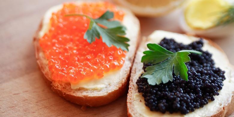 Kaviar, Makanan Mewah Untuk Raja Salman Selama Di Pesawat
