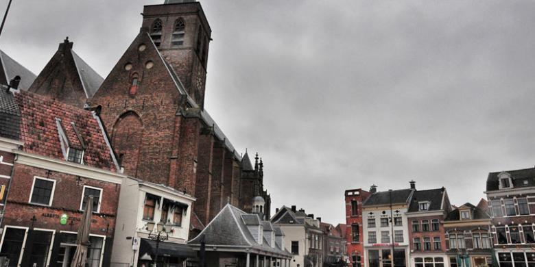 ARYA DARU PANGAYUNAN Hof, bagian tengah kota tua Amersfoort di Belanda dengan berbagai kafe dan restoran.