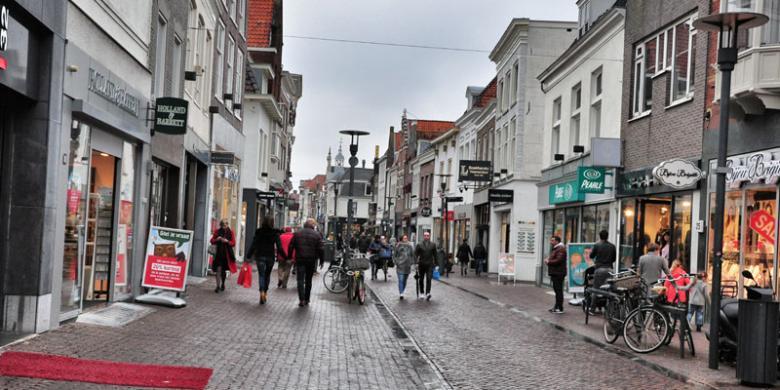 ARYA DARU PANGAYUNAN Shopping Avenue di kota tua Amersfoort, Belanda.