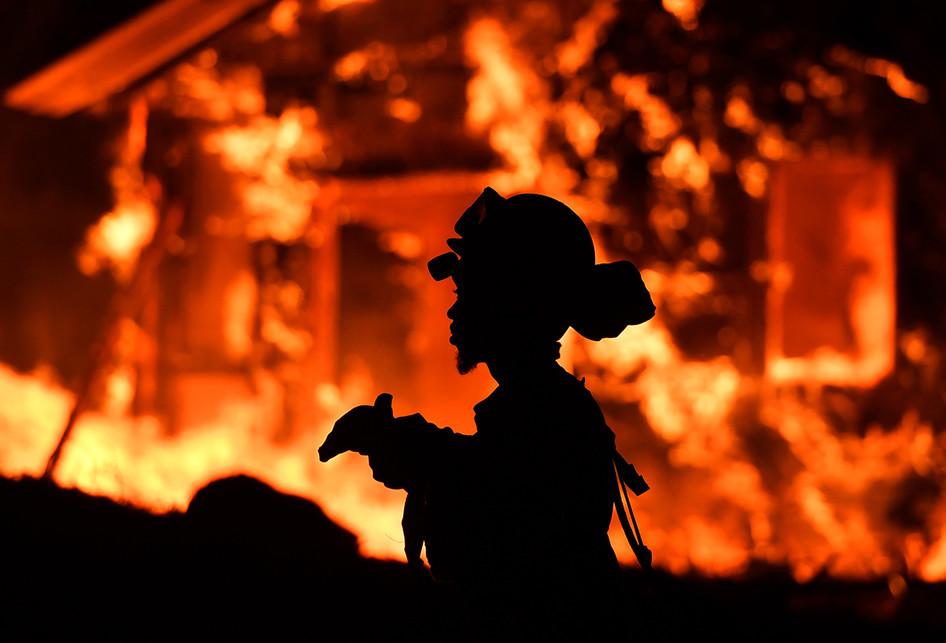 Kebakaran Besar di California