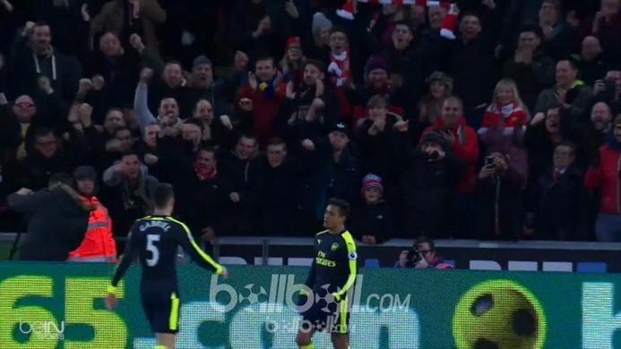 Swansea 0-4 Arsenal: Giroud Jadi Korban